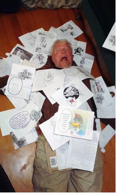 Stafford cubierto de dibujos de patos